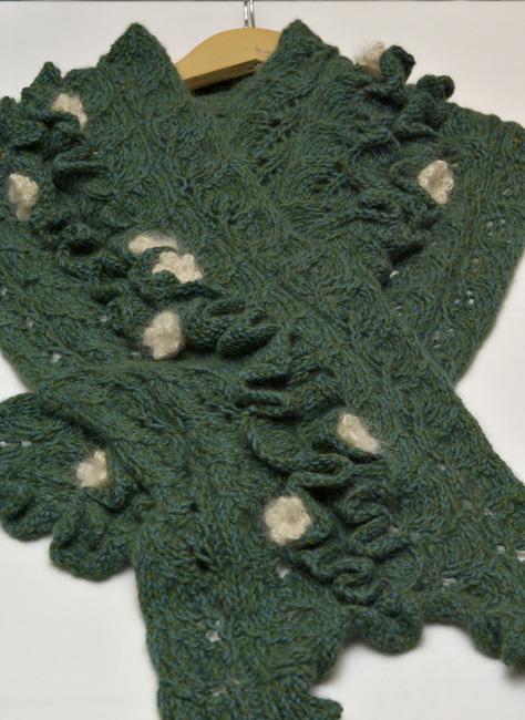 Class-74---Knit-Scarf-(Alsobia-dianthiflora)WG