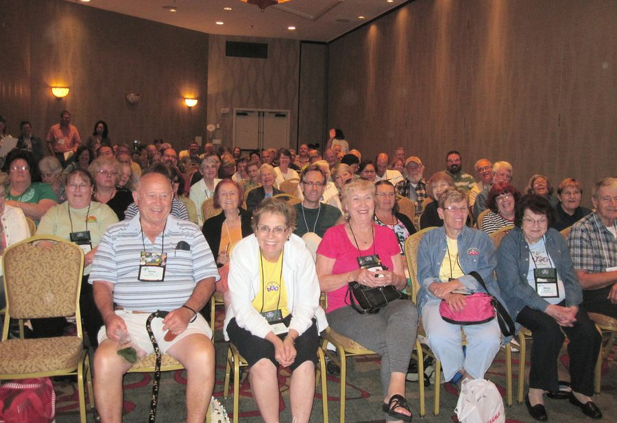 GHA audience eagerly awaiting Dale's program and the give-away plants