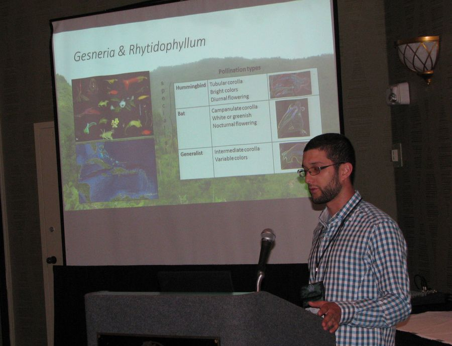 François Lambert presenting his program on the <i>Gesneria viridiflora</i> complex