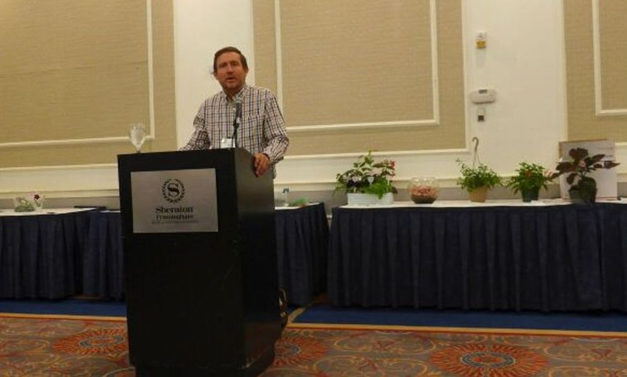 Tom Bruning acknowledging our commercial growers